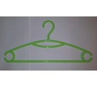 Вешалка для одежды пластиковая Зеленая L=395мм (Арт.P216)